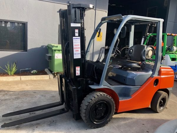 choosing forklifts